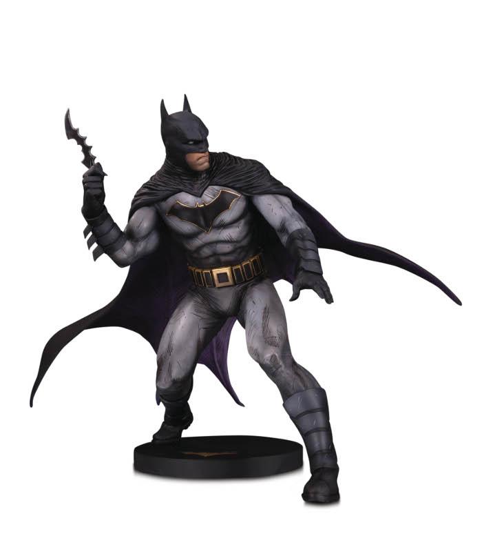 DC DESIGNER SERIES BATMAN BY OLIVIER COIPEL STATUE Dc-des11