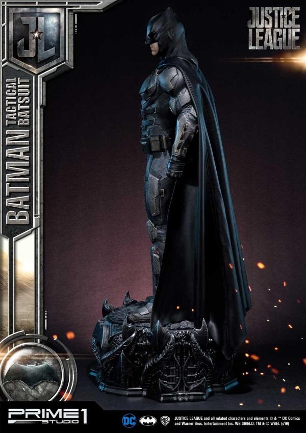 Justice League – Tactical Suit Batman 1/3 scale Statue Justic13