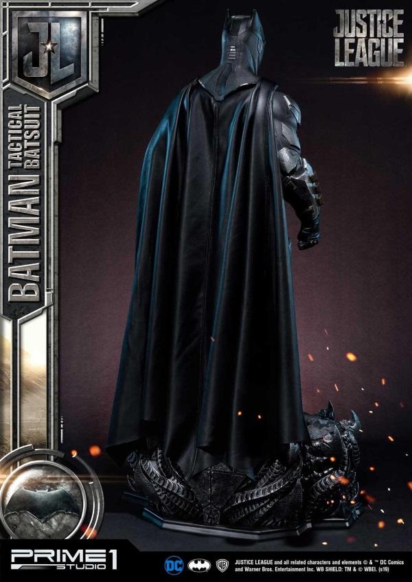 Justice League – Tactical Suit Batman 1/3 scale Statue Justic14