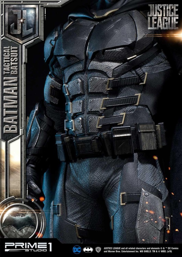 Justice League – Tactical Suit Batman 1/3 scale Statue Justic15