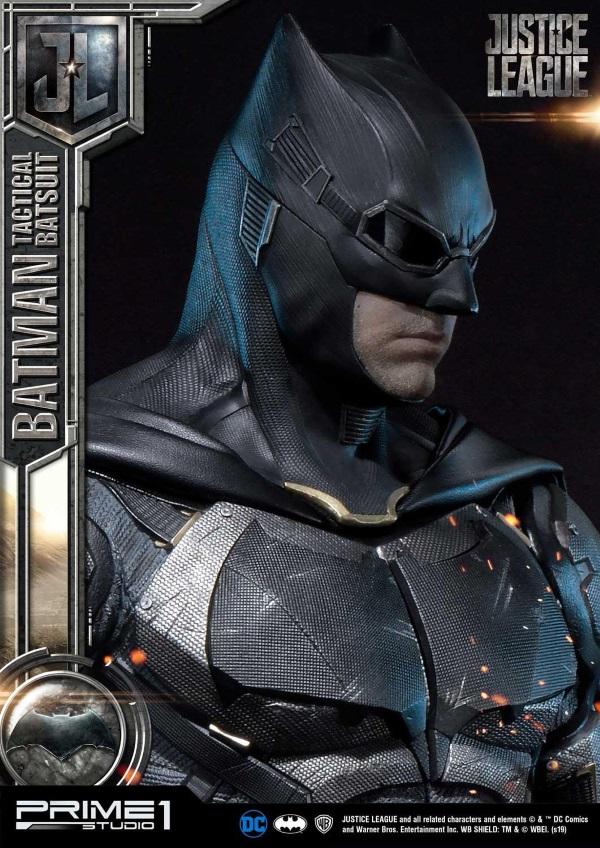 Justice League – Tactical Suit Batman 1/3 scale Statue Justic16