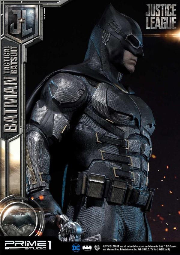 Justice League – Tactical Suit Batman 1/3 scale Statue Justic17