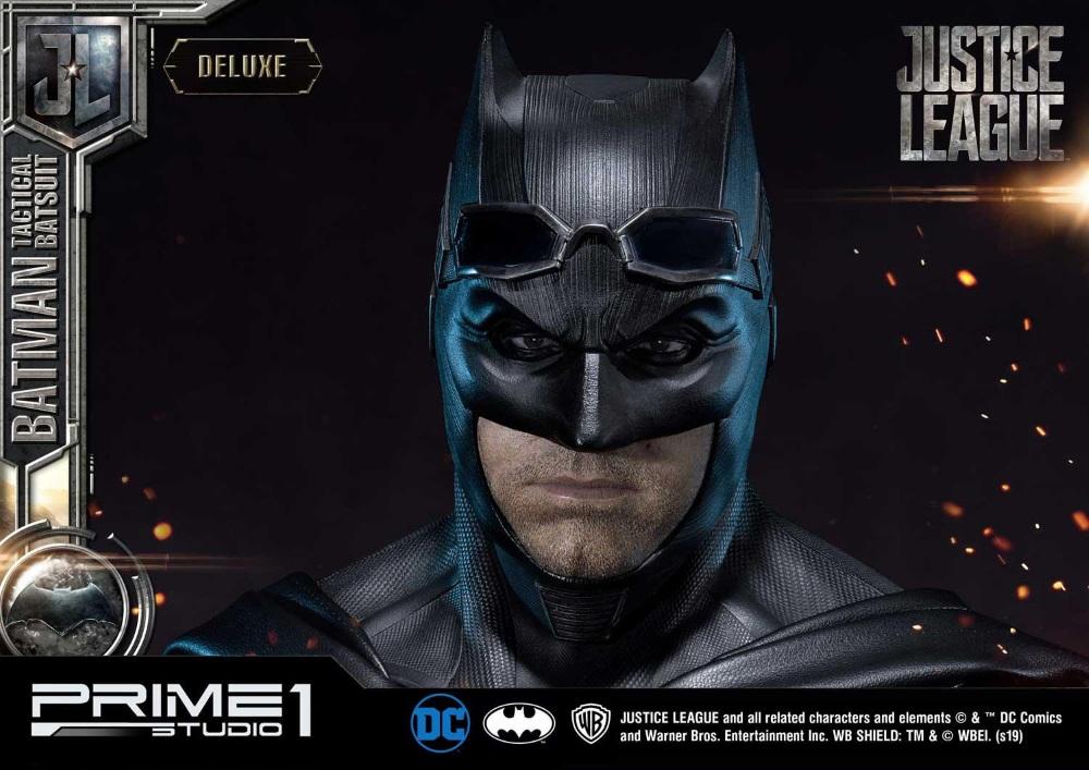 Justice League – Tactical Suit Batman 1/3 scale Statue Justic24