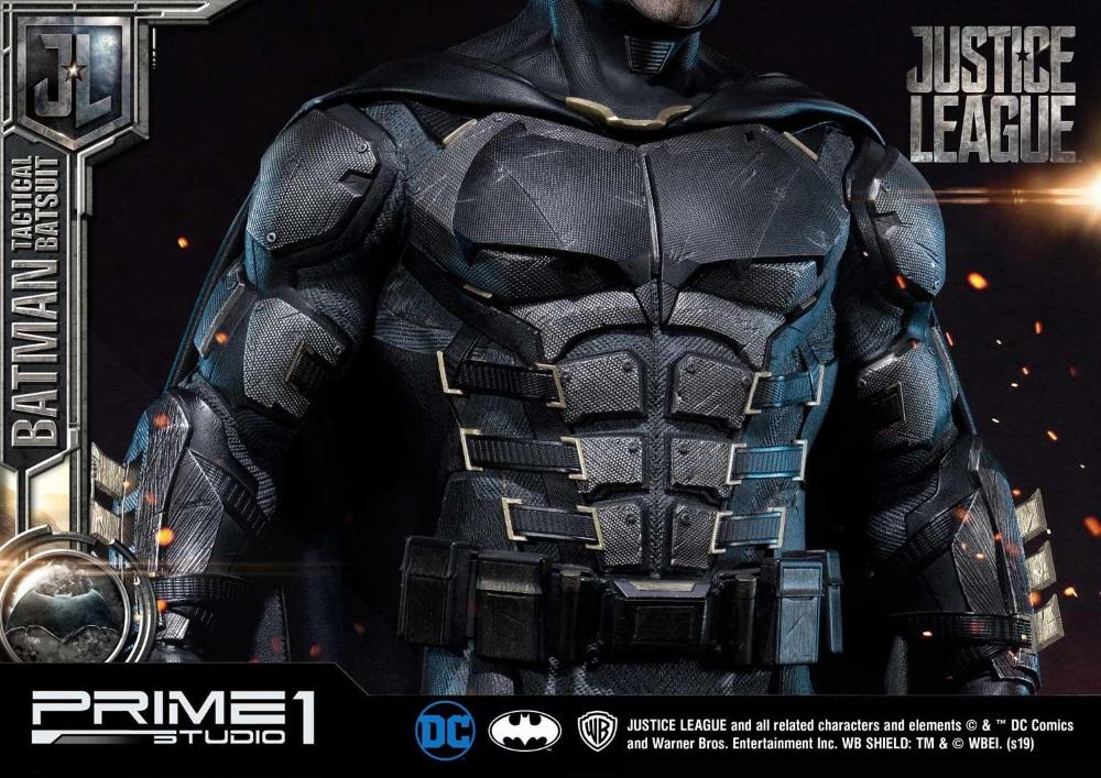 Justice League – Tactical Suit Batman 1/3 scale Statue Justic25