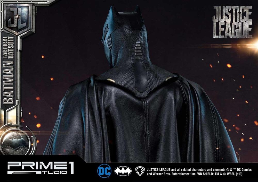 Justice League – Tactical Suit Batman 1/3 scale Statue Justic26
