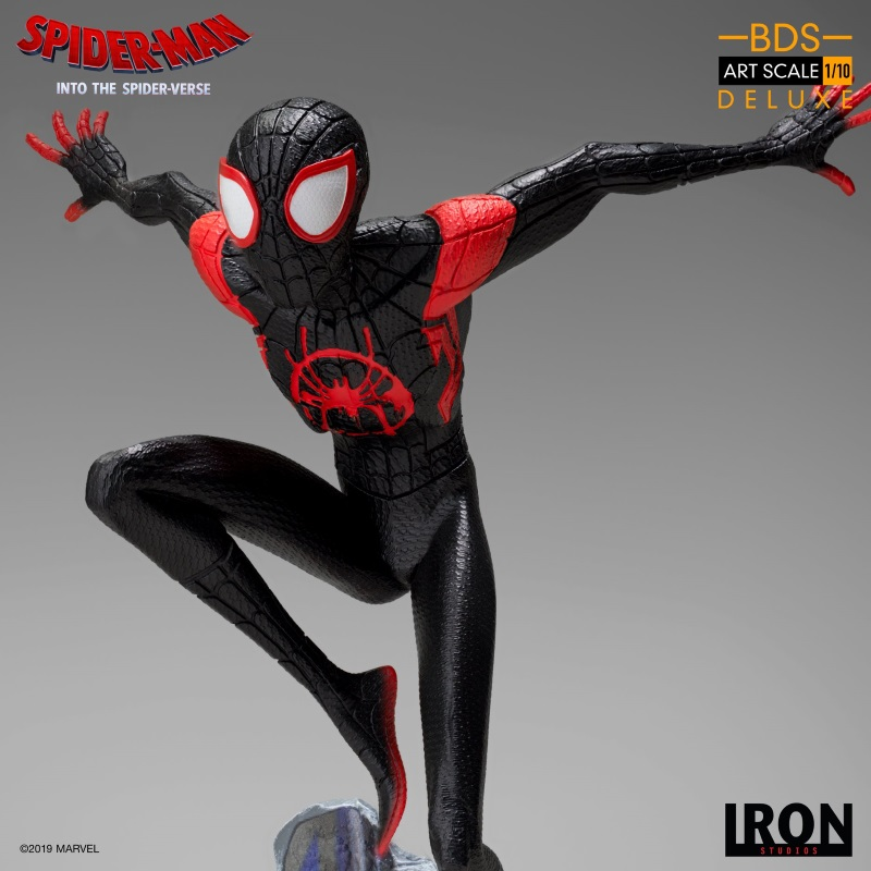 IRON STUDIOS : Spider-Man: Into The Spider-Verse – Miles Morales Spider-Man Statue Miles_16