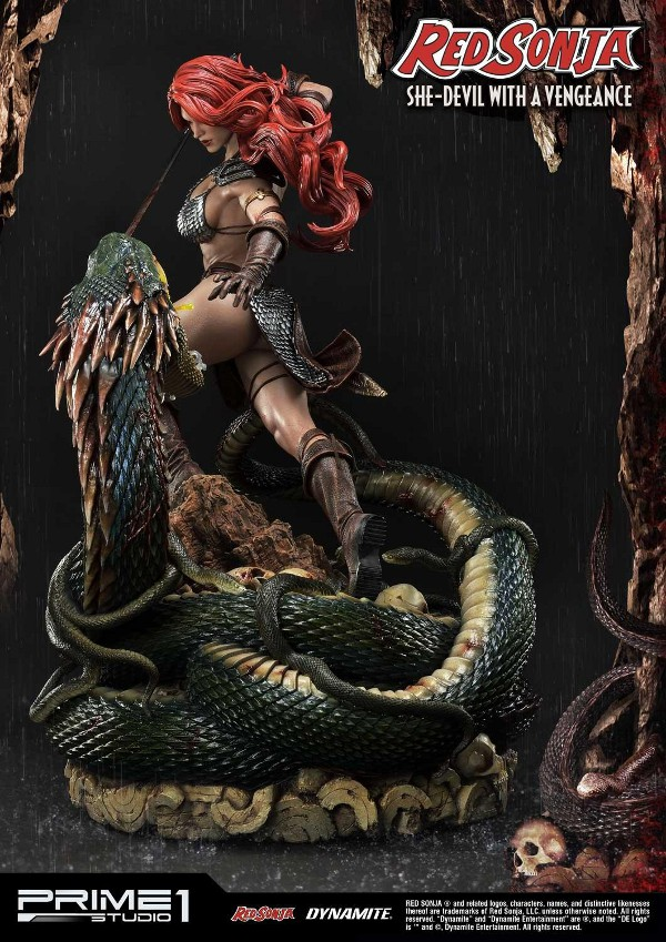 RED SONJA - She-Devil with a Vengeance 1/3 scale deluxe statue Red_so13