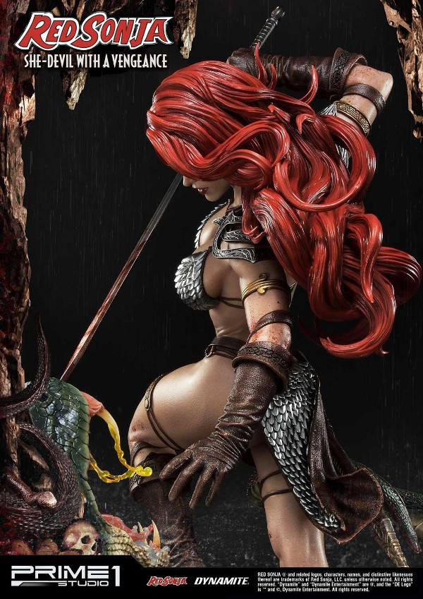 RED SONJA - She-Devil with a Vengeance 1/3 scale deluxe statue Red_so16
