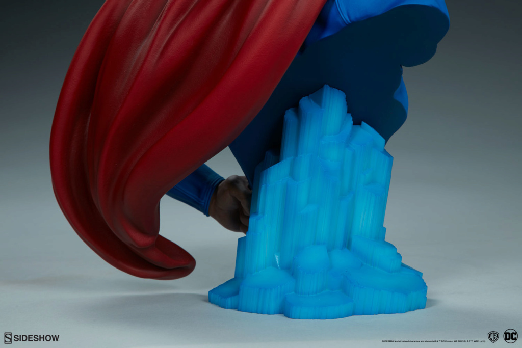 SUPERMAN Bust Superm37