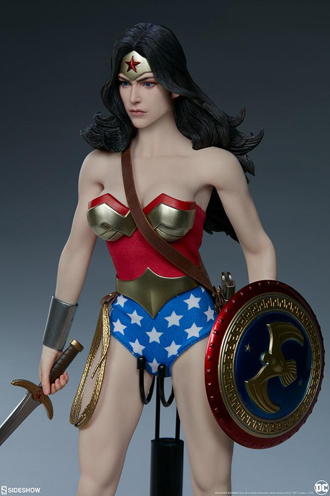 Wonder Woman Sixth Scale Figure Wonder21