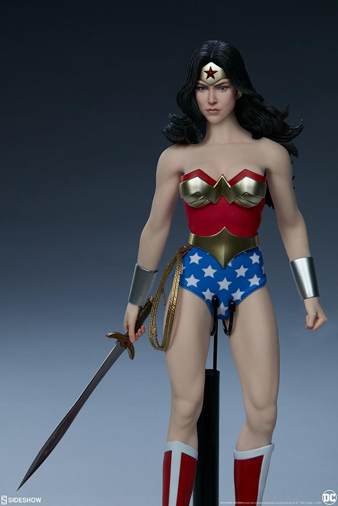 Wonder Woman Sixth Scale Figure Wonder23