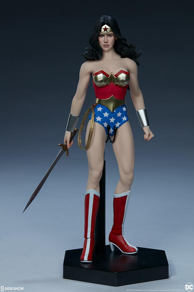 Wonder Woman Sixth Scale Figure Wonder24