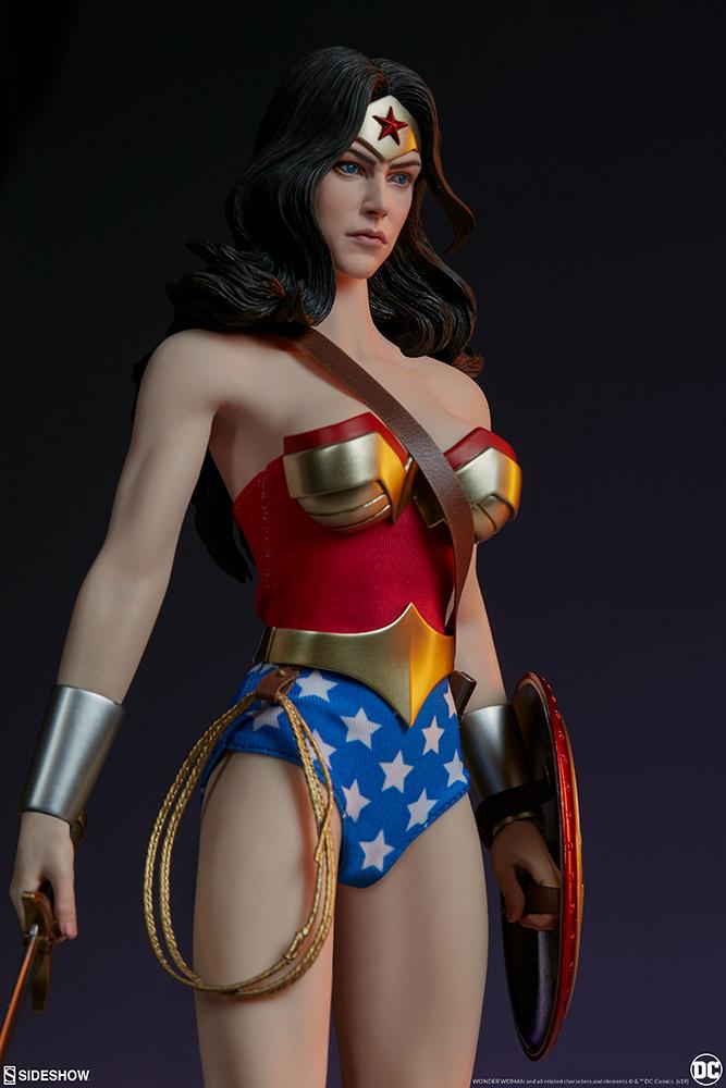 Wonder Woman Sixth Scale Figure Wonder28