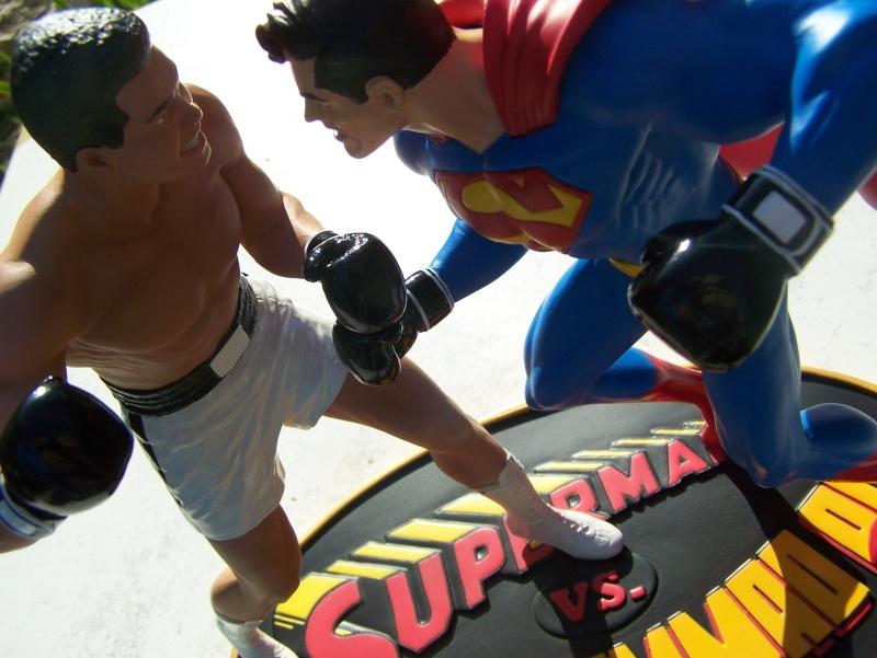 Superman versus Mohamed Ali diorama par DC Direct - Page 2 100_5313