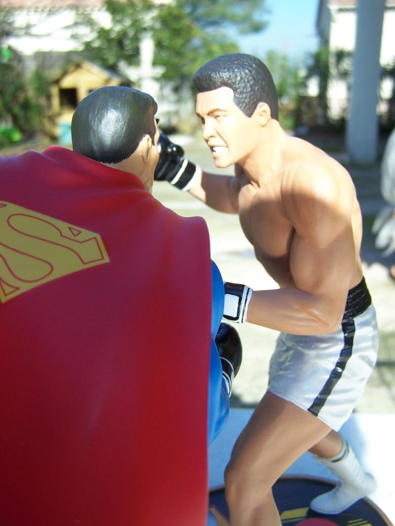 Superman versus Mohamed Ali diorama par DC Direct - Page 2 100_5316