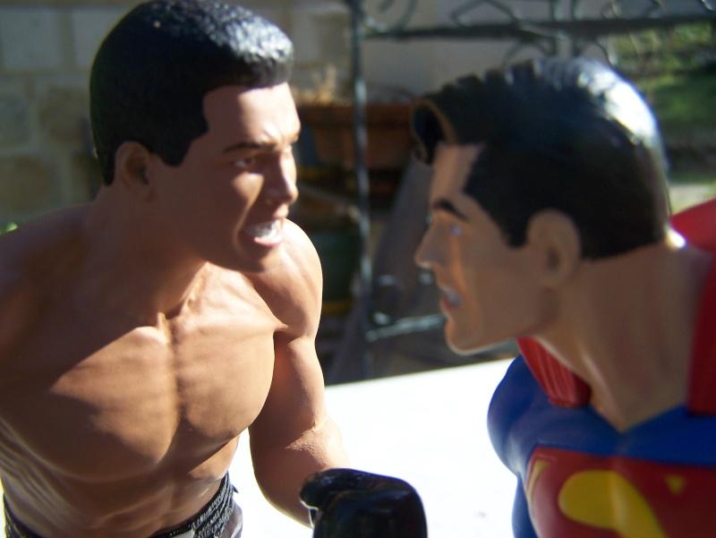 Superman versus Mohamed Ali diorama par DC Direct - Page 2 100_5317