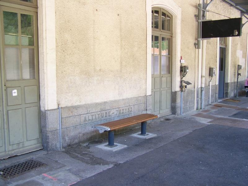 Pk 123,3 : Gare d' Ax-les-Thermes  (09) - ZGC à quai 20100810