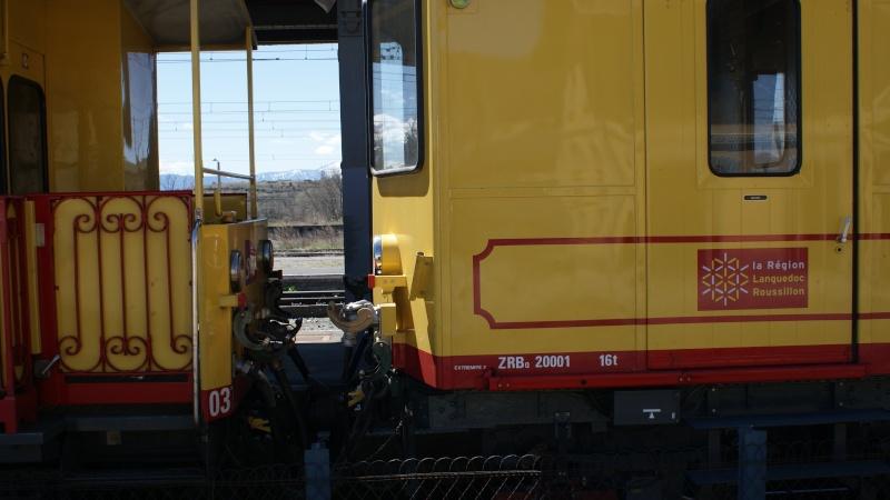 Pk 163,1 : Gare de Latour-de-Carol (66) - 2013 - ZRB 20001 en gare de Latour Dsc09312