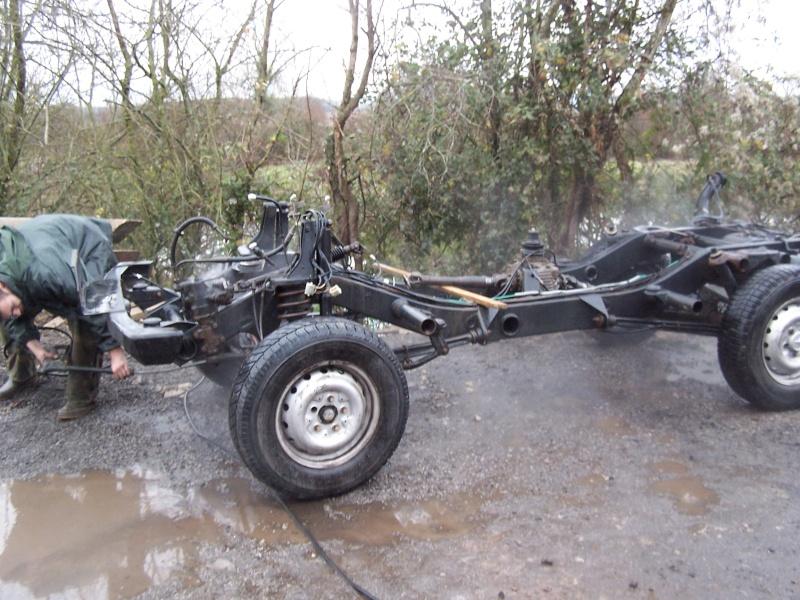 CJ 7 sur chassis mercedes et V8 mercos 100_2317