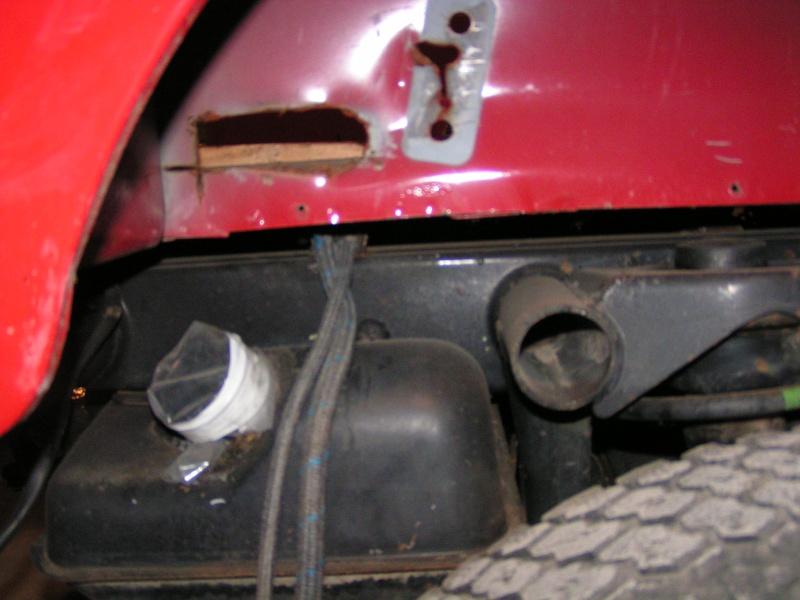 CJ 7 sur chassis mercedes et V8 mercos 13_dec11