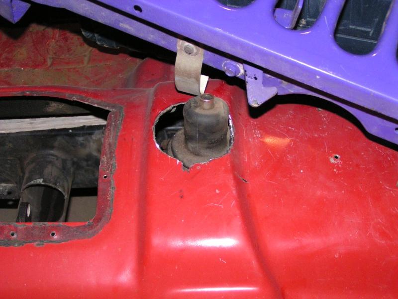 CJ 7 sur chassis mercedes et V8 mercos 13_dec12