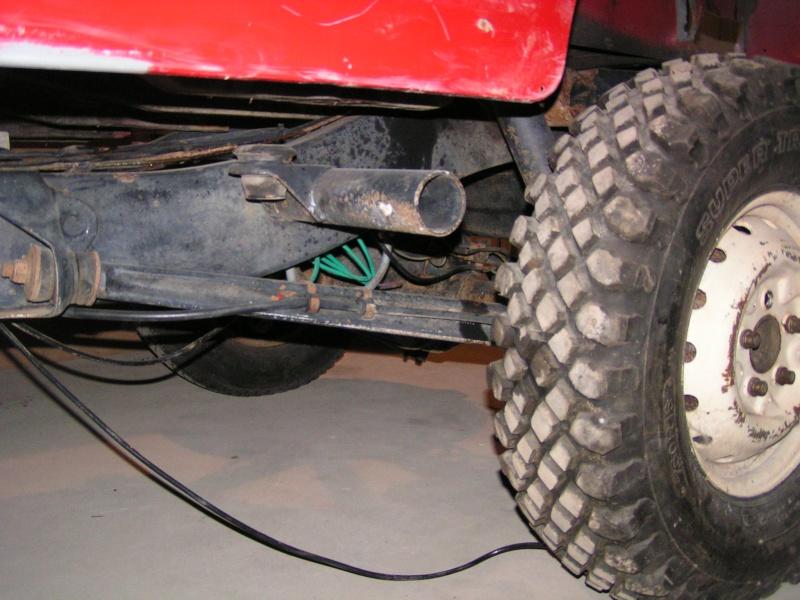 CJ 7 sur chassis mercedes et V8 mercos 13_dec13