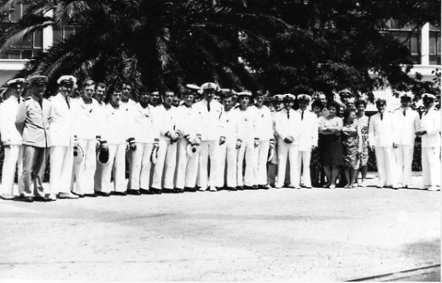 [Les traditions dans la Marine] Le passage à la chambre d'avancement - Page 3 La_cha10