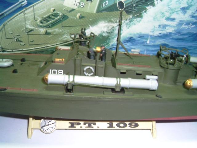 le PT-109 par l'ancien au 1/72ème - revell Pict0029