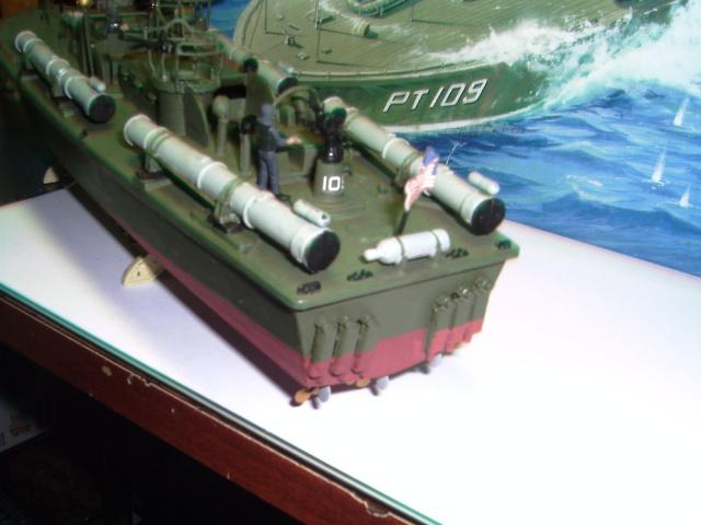 le PT-109 par l'ancien au 1/72ème - revell Pict0031