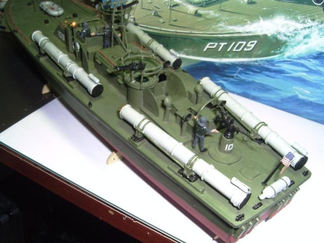 le PT-109 par l'ancien au 1/72ème - revell Pict0033