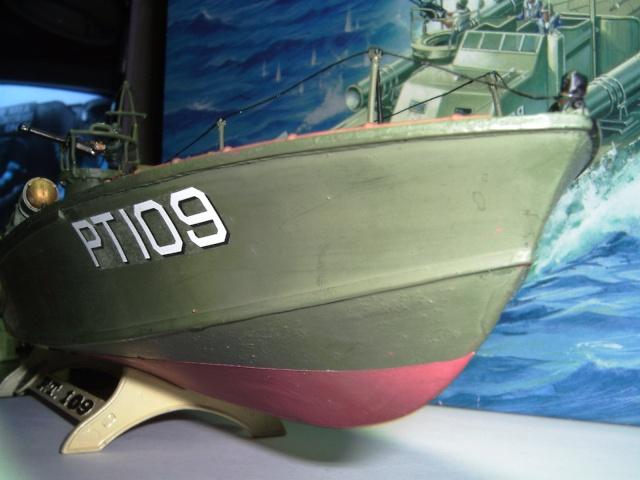 le PT-109 par l'ancien au 1/72ème - revell Pict0035