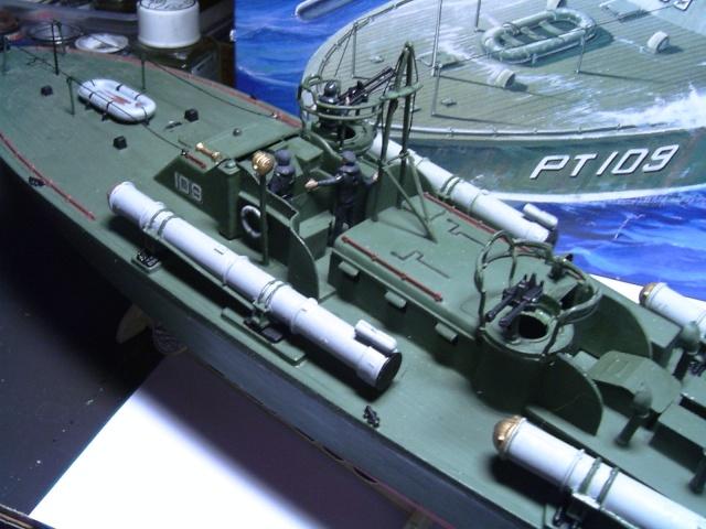 le PT-109 par l'ancien au 1/72ème - revell Pict0036