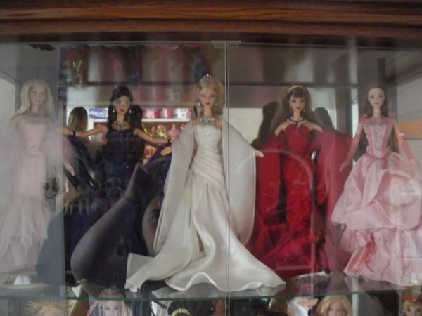 Ma collection de poupées Barbies - Page 5 Imgp1175