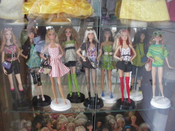 Ma collection de poupées Barbies - Page 5 Imgp1212