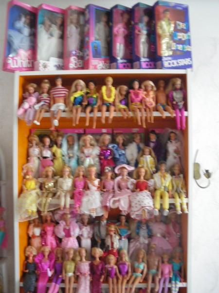 Ma collection de poupées Barbies - Page 5 Imgp1215