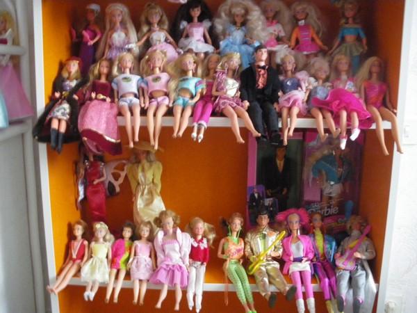 Ma collection de poupées Barbies - Page 5 Imgp1218