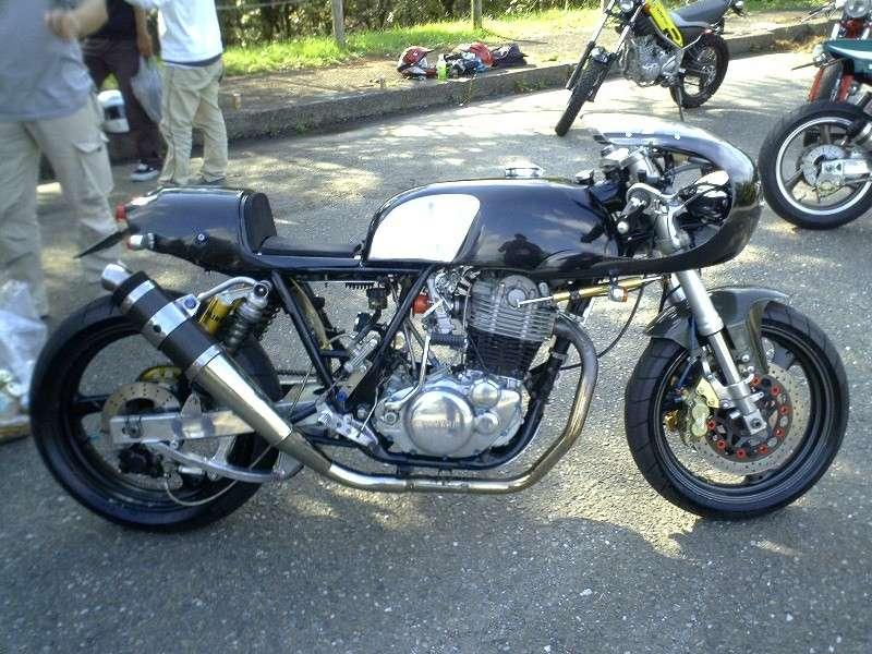 Racer sur base XT500 Cafe_r10