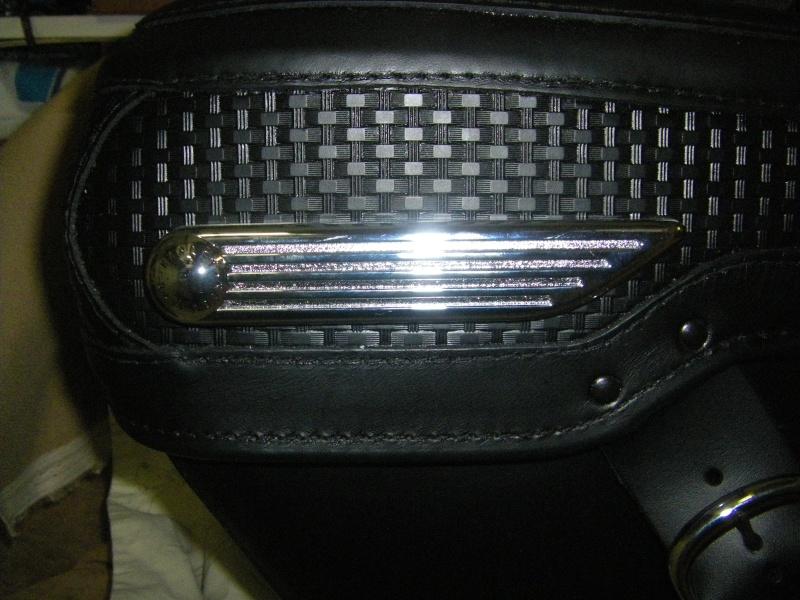 Système Fermeture à clef de sacoches discret pour RK - Page 4 Imgp2110