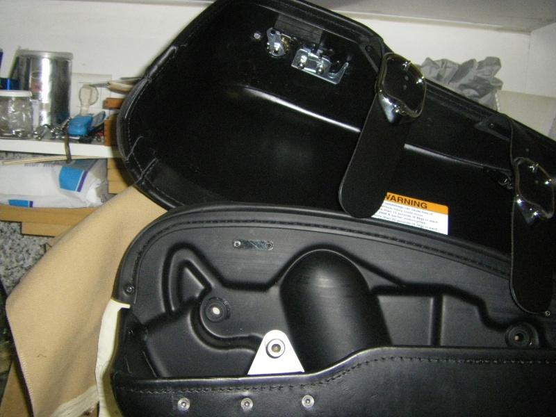 Système Fermeture à clef de sacoches discret pour RK - Page 4 Imgp2112