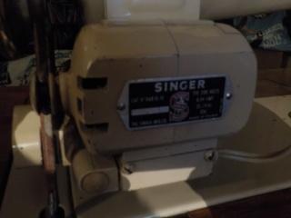 SINGER 191B  Dscn0923