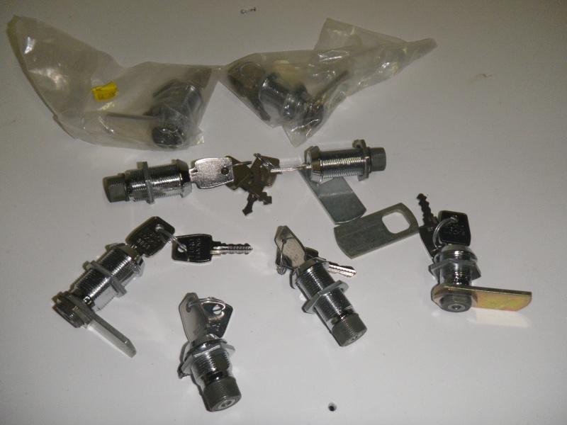 Quelques bricoles pour l'équipement d'un bateau Imgp1121