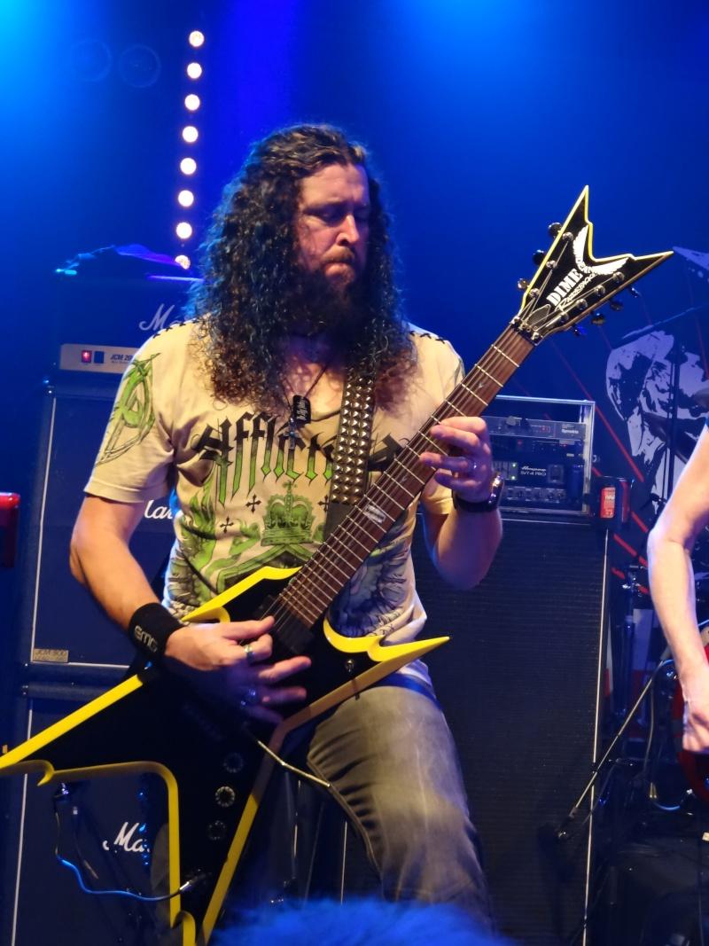 Les belles guitares !!!!!!!! Dsc01822