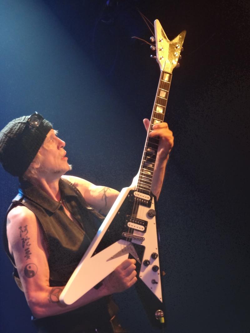 Les belles guitares !!!!!!!! Dsc01823