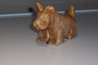Specials  Department - early Trickle Glaze Un-numbered Animals Early_10