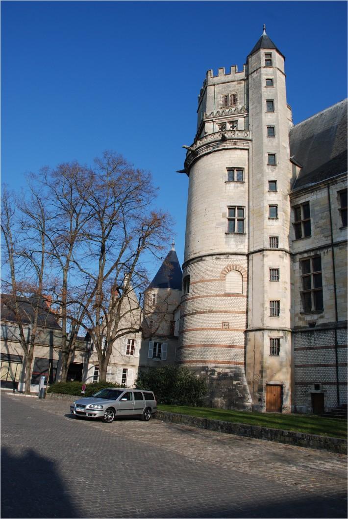 Bourges ma ville et ses secrets Dsc_0038
