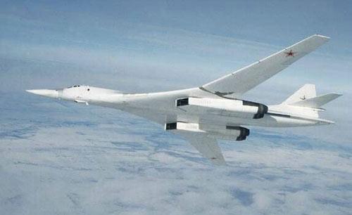 Le Tu-160, arme de persuasion Tu16010