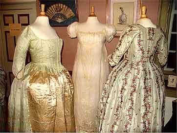 A Clockwork Ladies' Wardrobe Orig-310