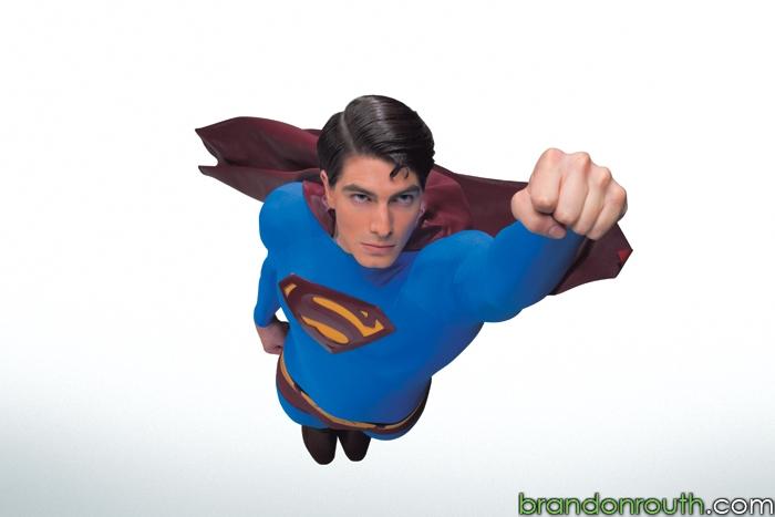 EL TRAJE DE SUPERMAN EN EL CINE (Incluye 2 fotos promocionales de Superman Returns) - Página 2 M0020011