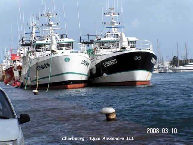[VIE DES PORTS] Quelques bateaux de pêche (sur nos côtes Françaises) - Page 7 Cherbo11