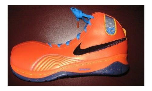NBA: Kevin Durant's Nike Shoes...A Ronald McDonald Disaster? (w/pic) 905bf310